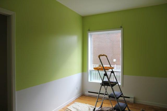 La chambre de b b partie 2 marginale et heureuse - Chambre verte et blanche ...