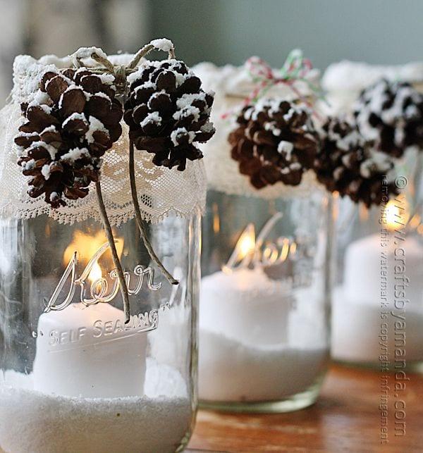 Des bougeoirs très mignons et qui peuvent très bien faire pour tout l'hiver. (Pinterest)
