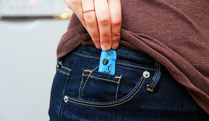 Un tampon assez petit pour rentrer dans la mini-poche de mon jeans!