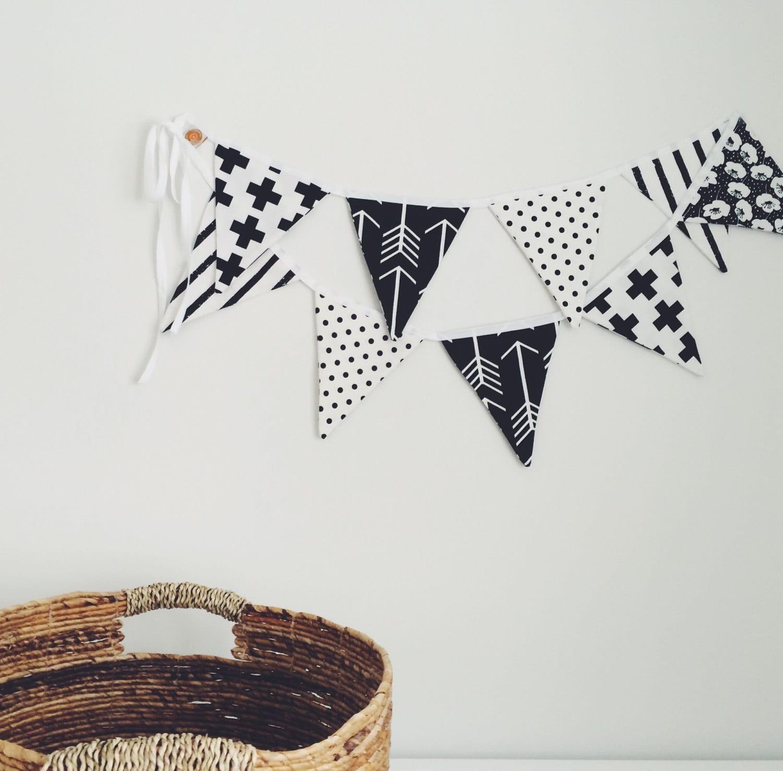 Une décoration réutilisable: une banderole de fanions de Shop Pamplemousse.