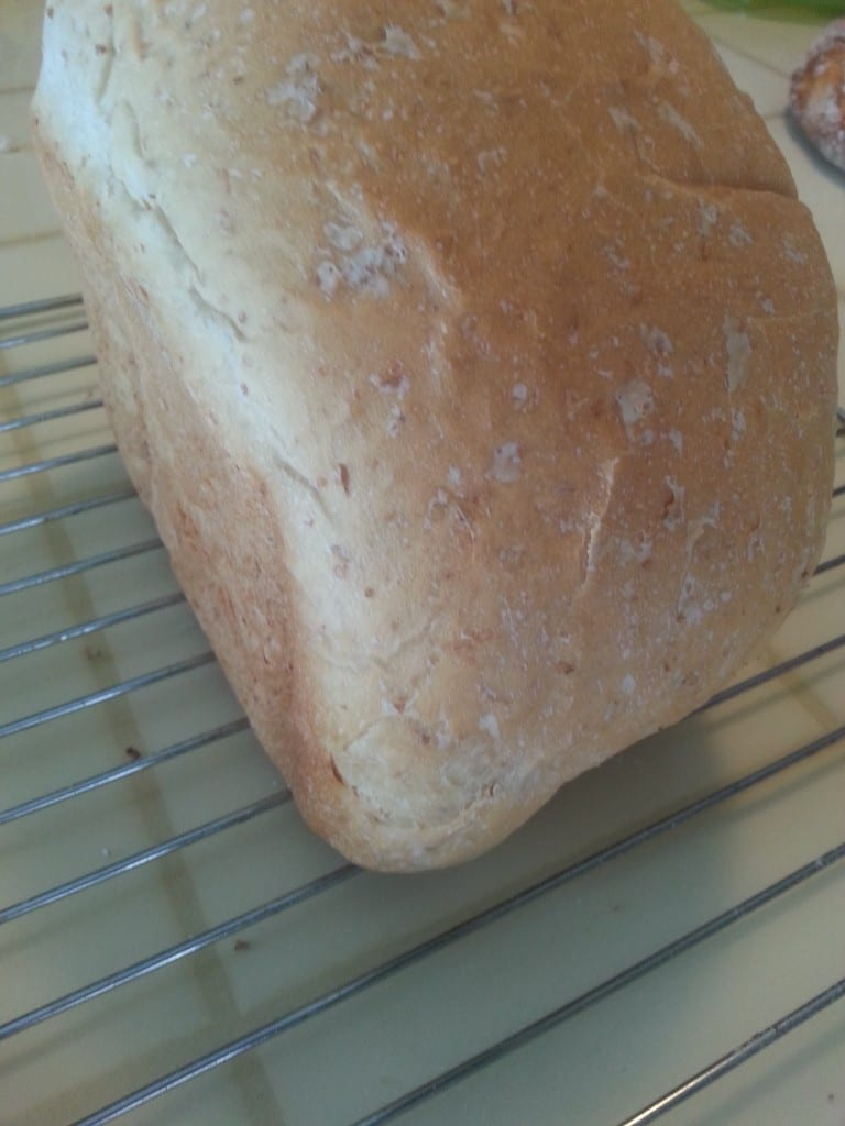 pain maison à la machine